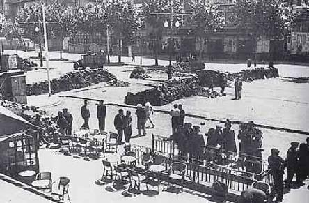 Barricades durant els Fets de Maig al Paral·lel