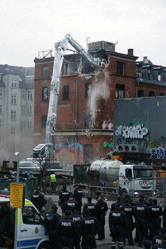 Demolició de l'«Ungdomshuset» (05-03-07)