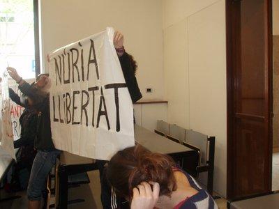 Acció de suport a la Núria Pòrtulas a la Universitat Pompeu Fabra
